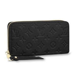 Women s The Purse Forum on Poshmark a4e0b4aed766a
